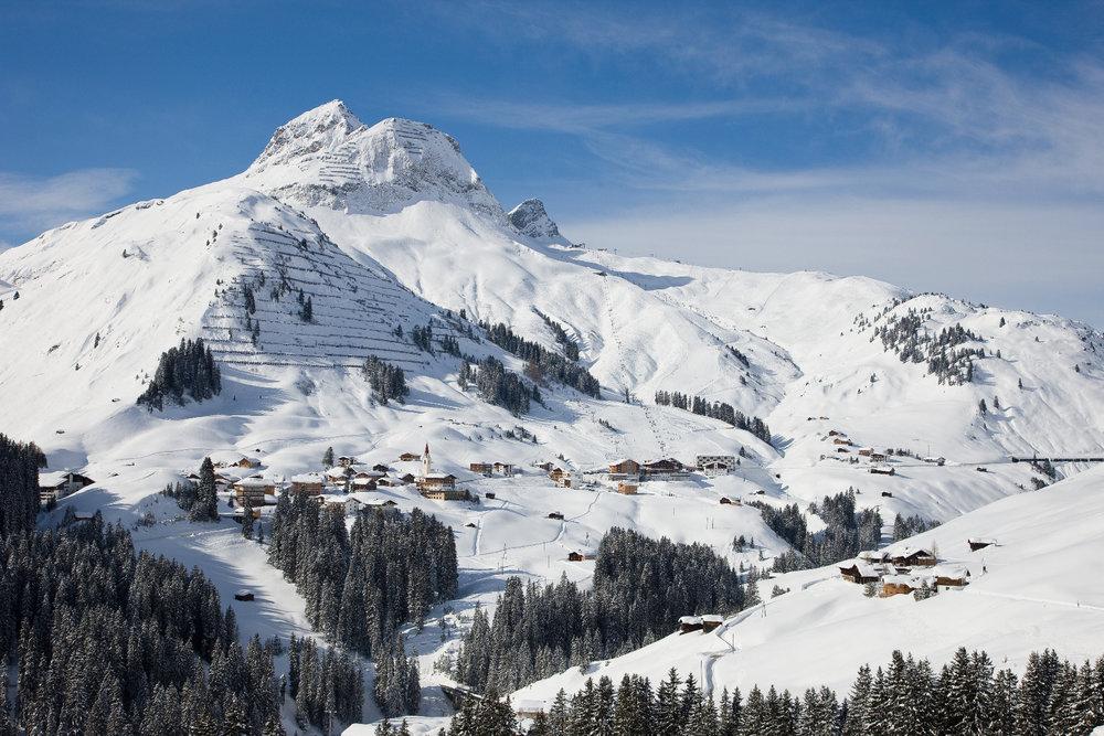 Blick auf den Ort Warth in Vorarlberg - © Skigebiet Warth-Schröcken