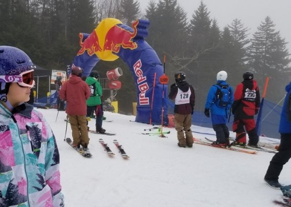 Snowshoe Mountain Resort - Few terrain parks open at snowshoe and silvercreek.  Plenty of slopes open including western territory. Steazy Competition on dec 15th was pretty cool. - © anonymous
