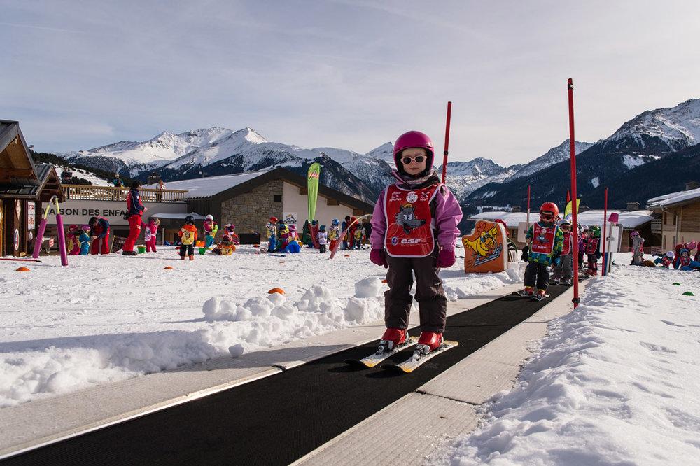 L'Espace Enfants d'Aussois regroupe le jardin des neige, des pistes de luge et des téléskis débutants - © OT Aussois