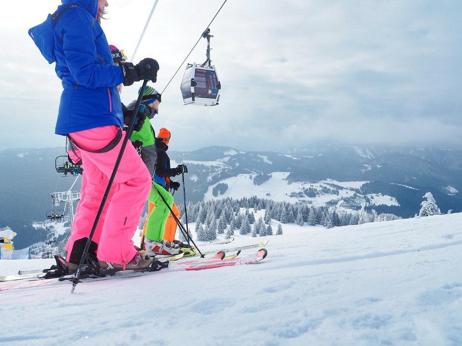 Lyžařská zábava na sjezdovkách slovenského lyžařského střediska PARK SNOW Donovaly - © PARK SNOW Donovaly