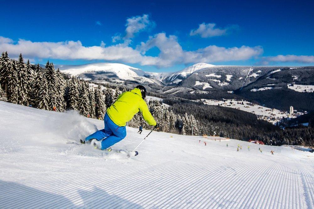 Pec pod Sněžkou nabízí upravené sjezdovky a parádní výhledy - © SkiResort ČERNÁ HORA - PEC
