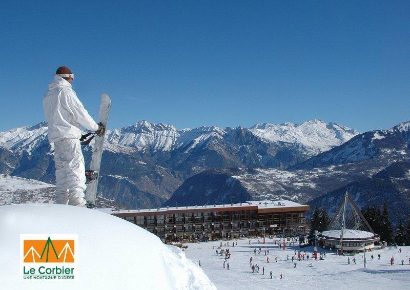 Ski sur le domaine des Sybelles (ici le Corbier)