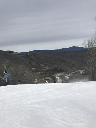 Cataloochee Ski Area - Crowded day and a bit warm but overall enjoyable    - © Kurt's iPhone