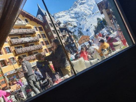 Les Arcs - trop de touristes au secours... - © anonyme