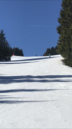 Saint Gervais Mont-Blanc - Super conditions today at St Gervais. Great weather. No one on the slopes. Great day.  - © JB