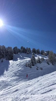La Plagne - 8 avril neige top et soleil le kiffe  - © iPhone de franck