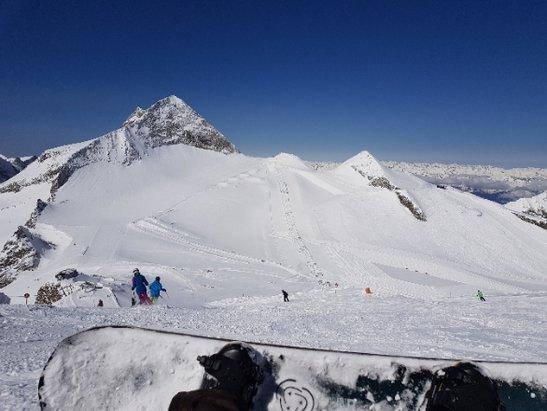 Lodowiec Hintertux - puch góra, ubity dół.. - © tomek