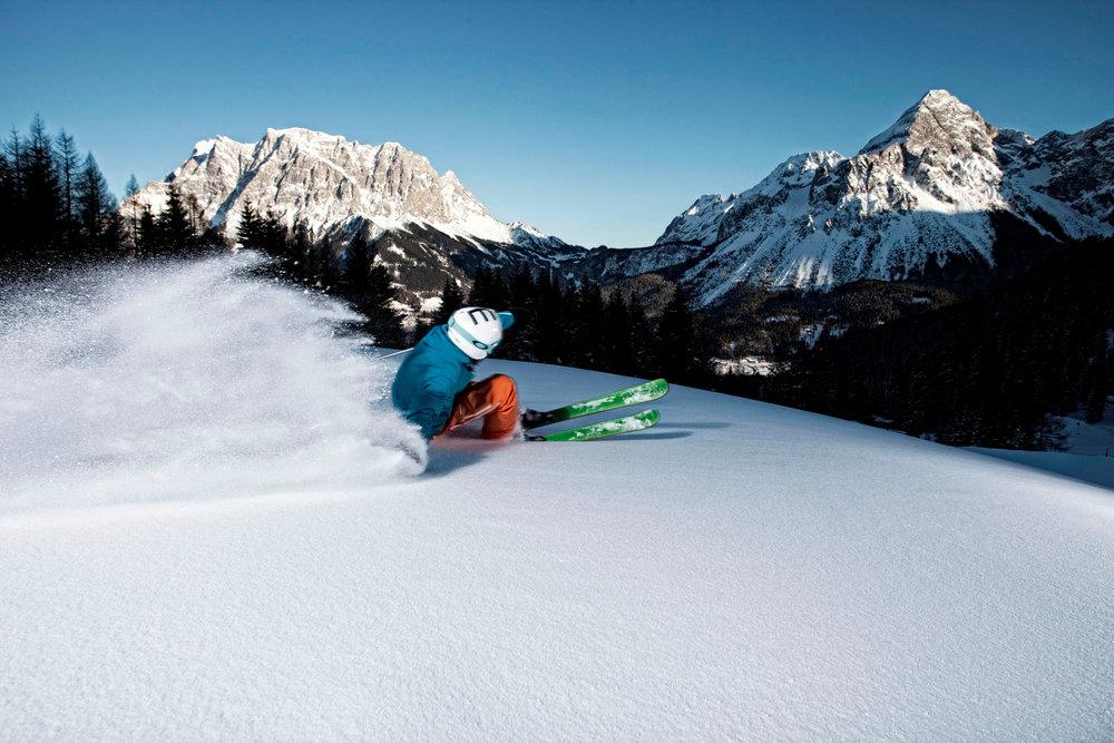 Skifahren im Skigebiet Grubigstein - © Tiroler Zugspitz Arena, U. Wiesmeier