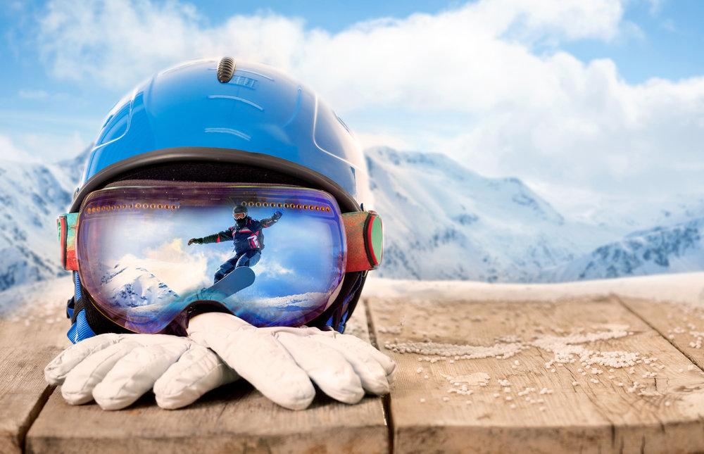 Les conseils de Skiinfo pour vous aider à trouver le casque de ski/snowboard adapté à vos besoins. Celui qui vous protégera efficacement tout en se faisant oublier... - © V&P Photo Studio - Fotolia.com