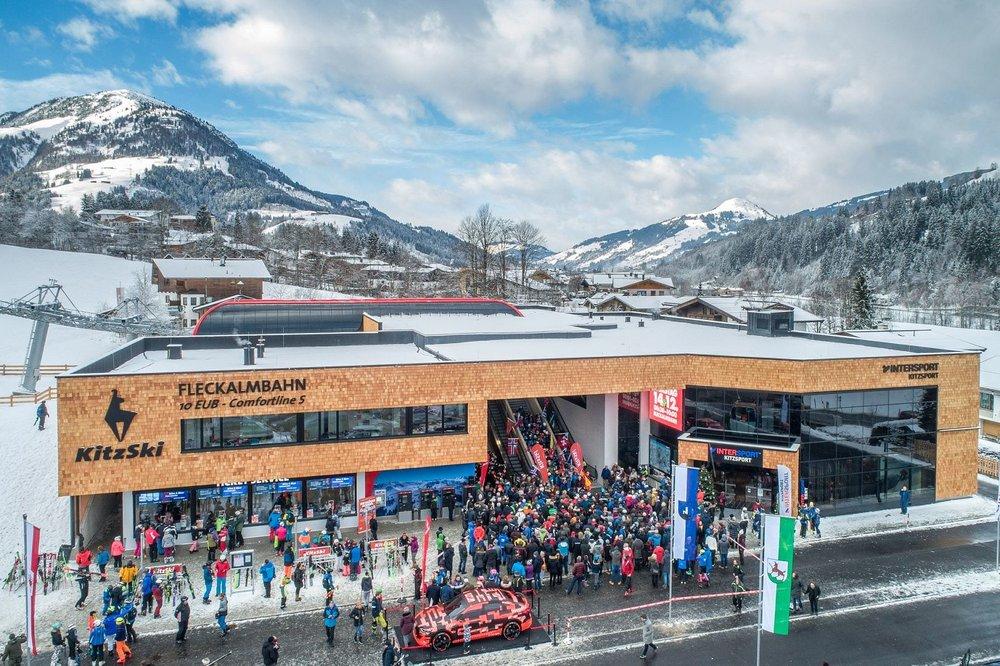 Eröffnung der neuen Fleckalmbahn am 14.12.2019: Großer Andrang an der Talstation - © Bergbahn AG Kitzbühel | Michael Werlberg