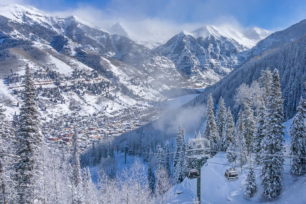 Snow blankets the town of Telluride. - © Visit Telluride/Ryan Bonneau