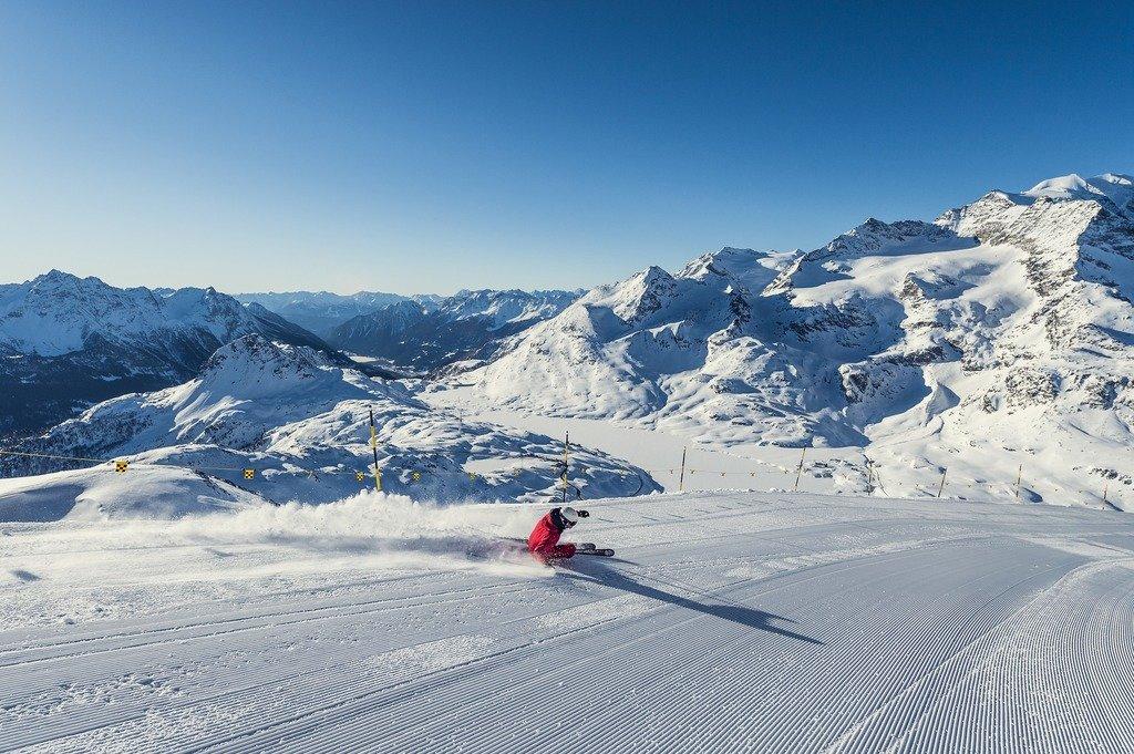 Skifahren auf der Lagalb - © Engadin St. Moritz Tourismus