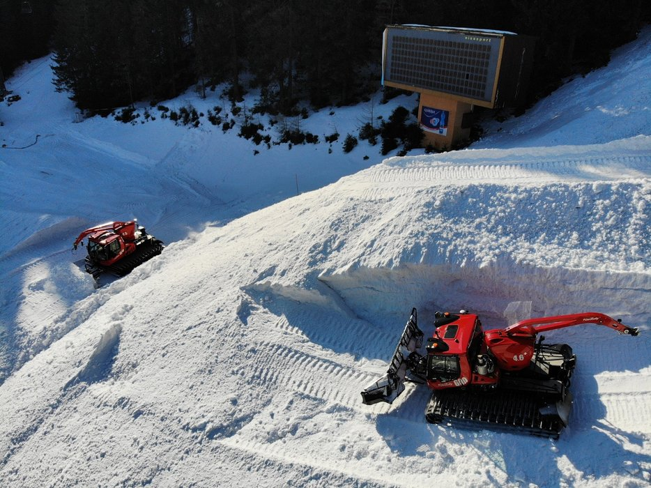 The biggest snow deposit in Jasna Low Tatras history - in process... - © TMR, a.s.