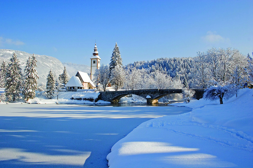 Het meer van Bohinj, Slovenië. - © Turizem Bohinj arhiv