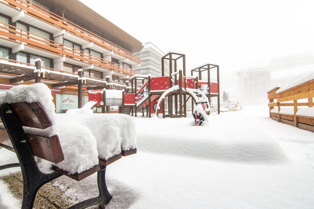 Winterlich sieht es auch schon im französischen Les Menuires aus - © Les Menuires/Facebook