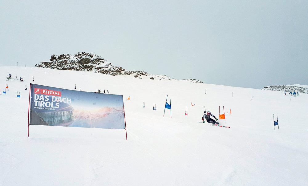 Weltmeister Henrik Kristofferson trainiert auf dem Pitztaler Gletscher - © Pitztaler Gletscher