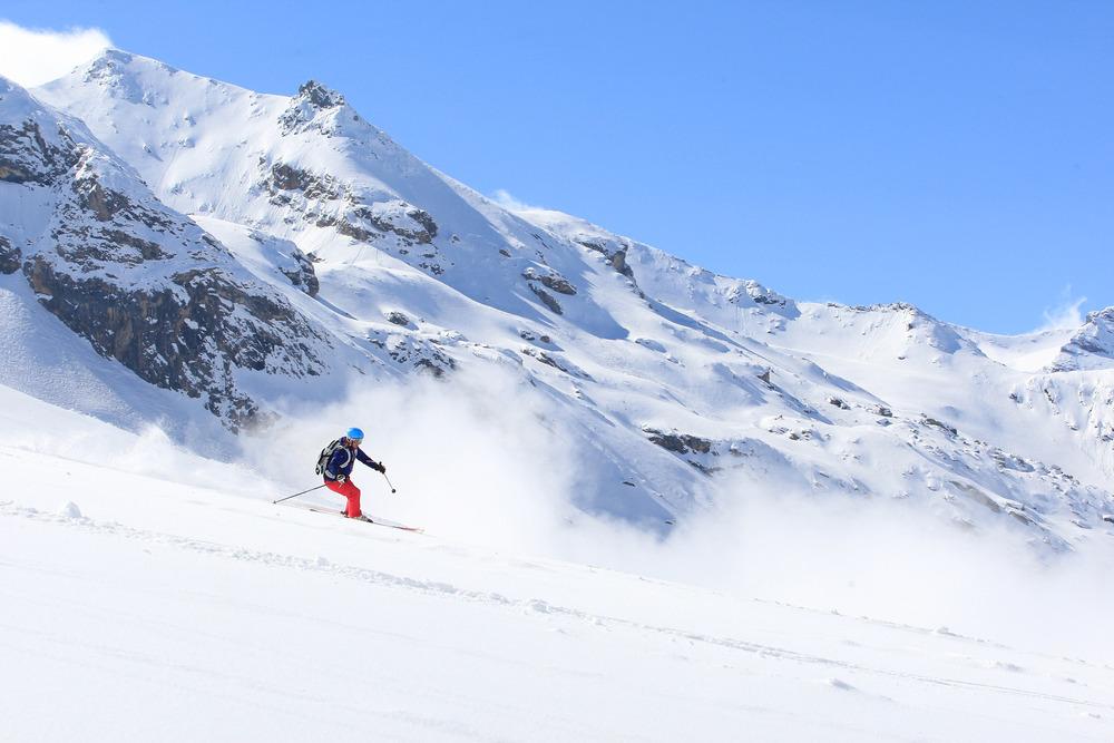 Der perfekte Schwung? Die Tester bringen die Ski an ihre Grenzen