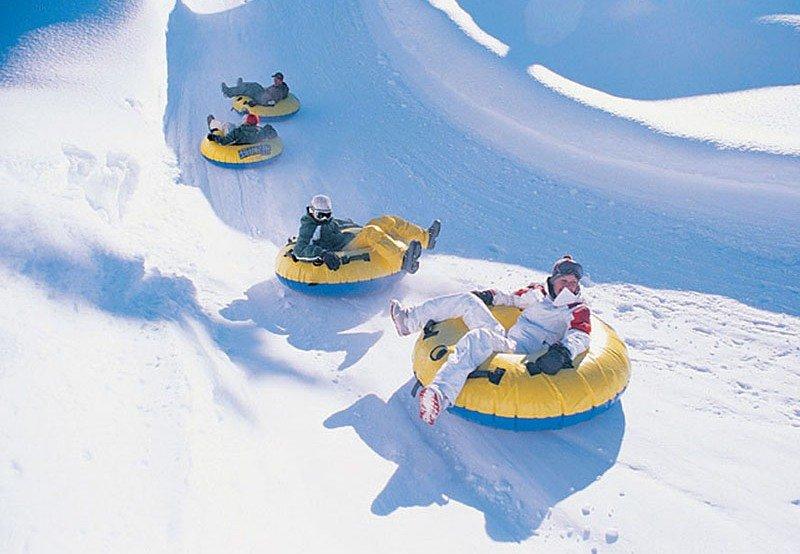 Snowtubing v Engelbergu - © Engelberg Tourism