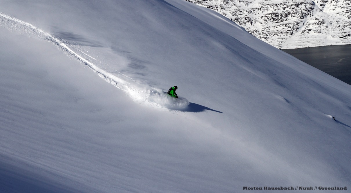 Pilot Morten Hauerbach kører pudder  - © Jeppe Hansen, Surfline