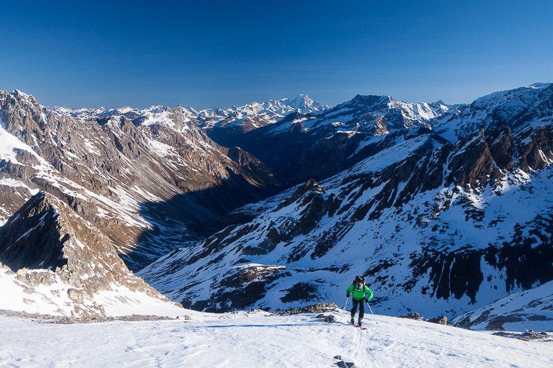 Aufstieg zum Col d'Aussois, im Hintergrund Mont Blanc - © Iris Kürschner