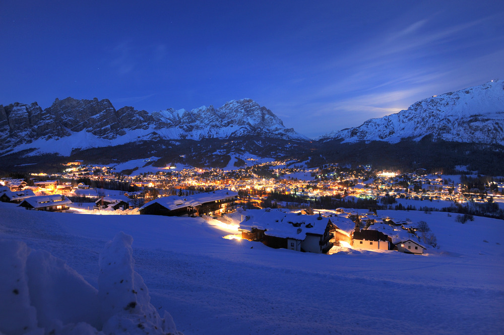 Cortina at night