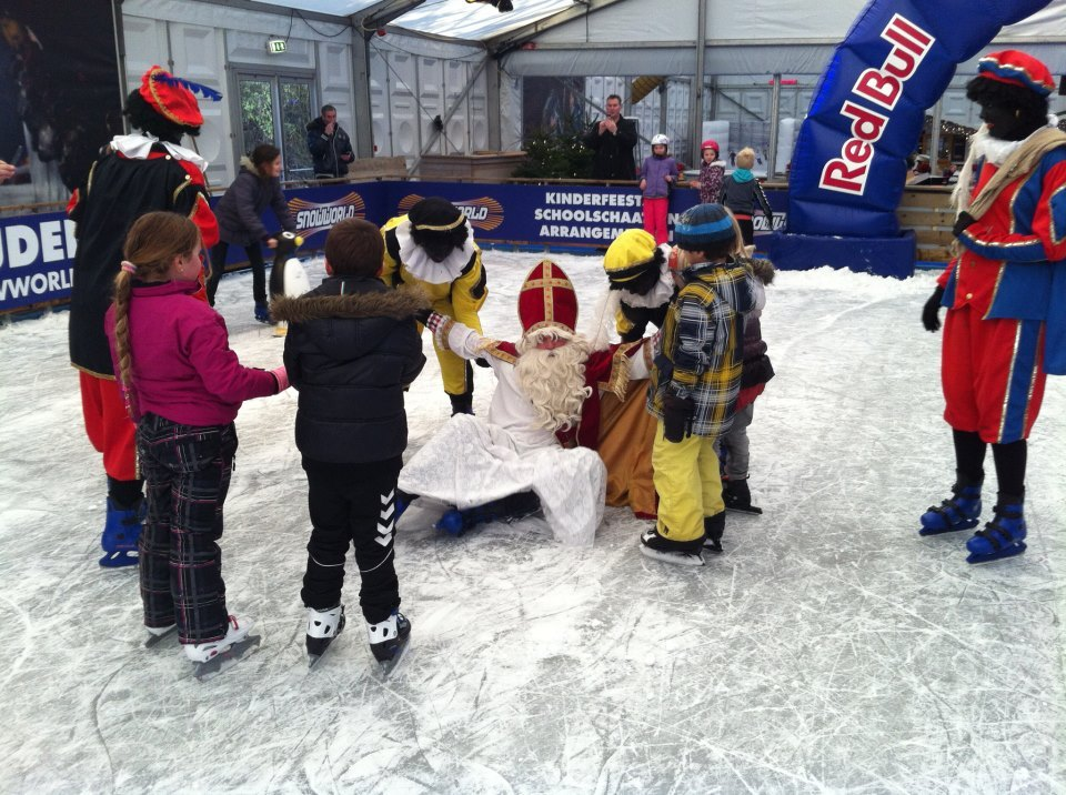 Nasty fall for Sinterklaas - ©SnowWorld Zoetermeer
