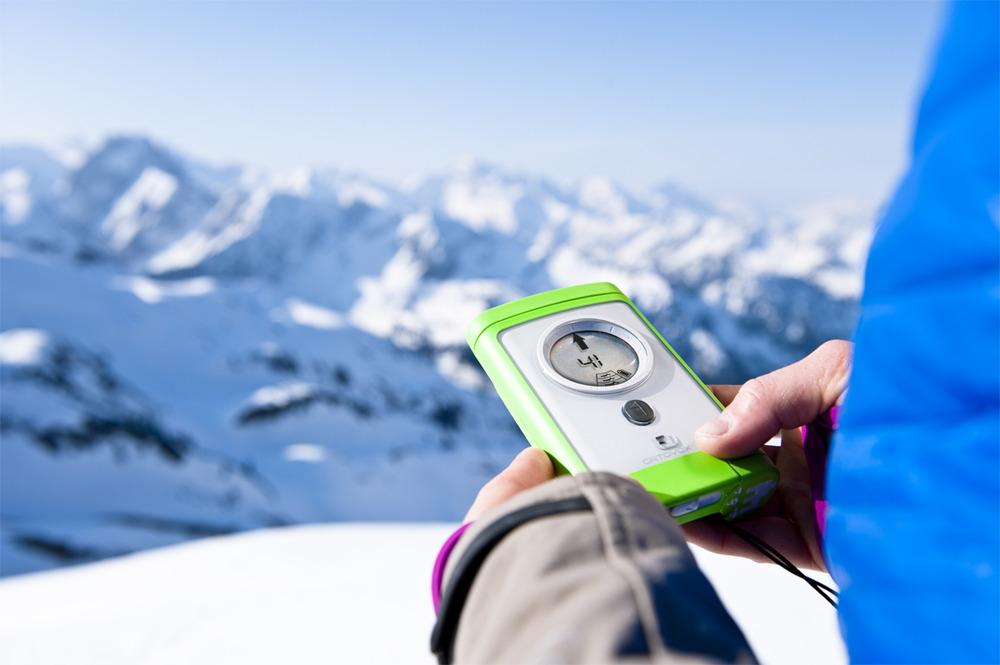 LVS-Geräte können Leben retten, müssen aber beherrscht und richtig angewendet werden - © Ortovox