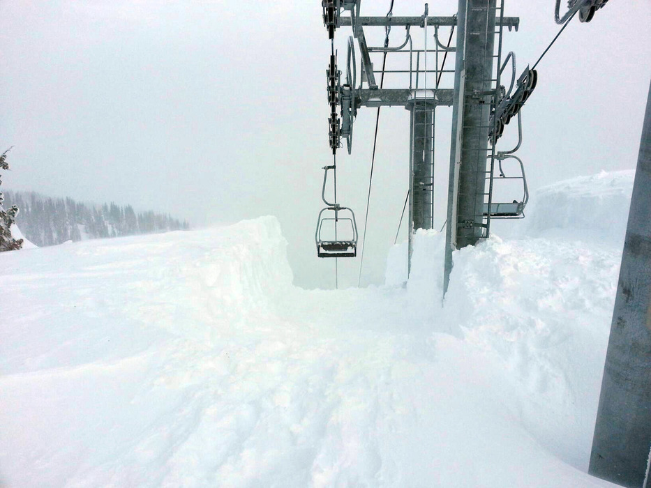 Deep snow at Northway Chairlift at Crystal Mountain, Washington. Photo by Jim Jarnigan, courtesy of Crystal Mountain Resort.Deep snow at Northway Chairlift at Crystal Mountain, Washington. Photo by Jim Jarnigan, courtesy of Crystal Mountain Resort. - © Jim Jarnigan