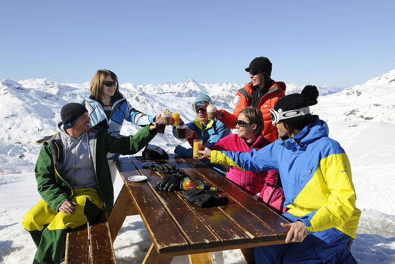 Partir au ski hors vacances pour en profiter pleinement à moindre prix - © P. Lebeau - OT Val Thorens