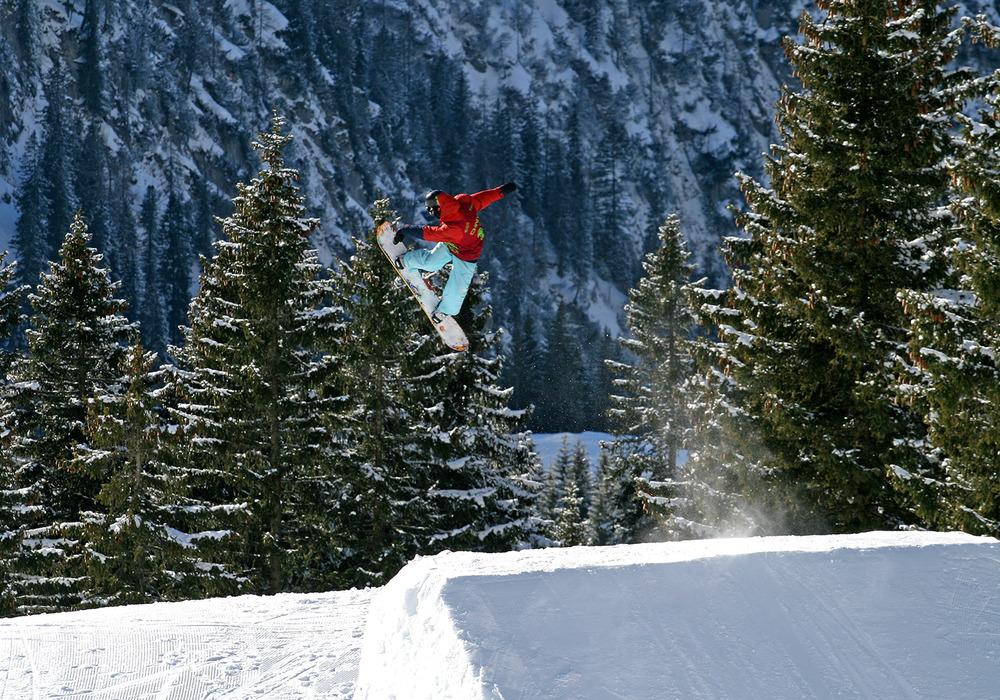 Unterwegs über den Straight Jump der Pro Line mit einem BS 360 no Grab - © stefandrexl.com