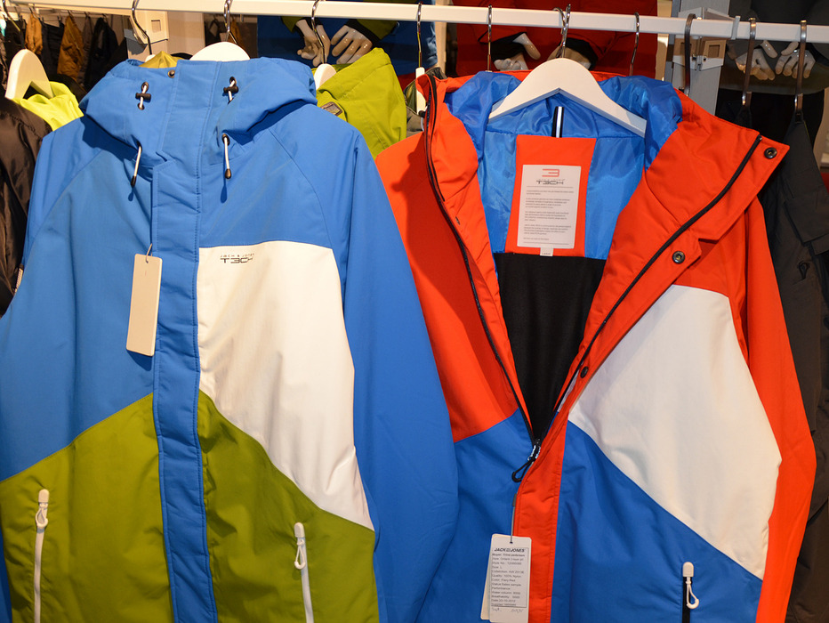 budget functional wear at Jack & Jones technical wear - © Skiinfo