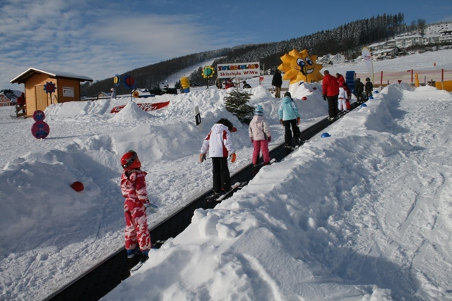 Förderband Skischule - © Skigebiet Willingen
