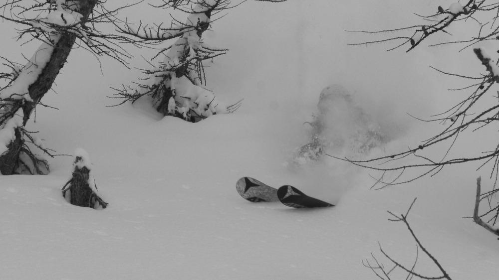 Trine Hedegård nyder pudderen i La Grave - © Jeppe Hansen