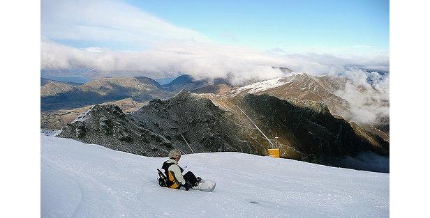 Coronet Peak, NZ: Long-lasting Snow- ©Adrian Pua