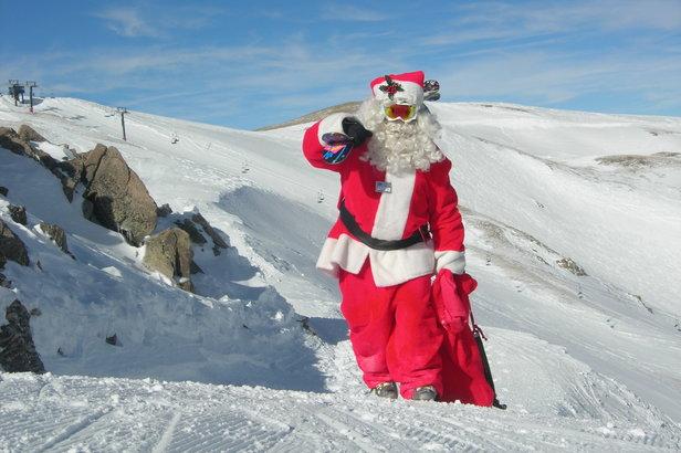 Image Pere Noel En Ski.Noel Avec Ou Sans Neige