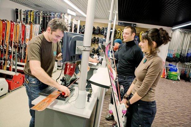 Comment louer son matériel de ski moins cher ?- ©Labellemontagne