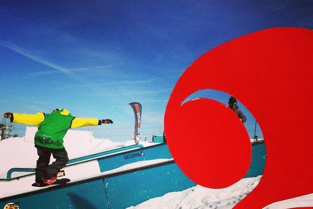 """Les 2 Alpes, station """"pionnière"""" en matière de développement des infrastructures dédiées à la pratique du snowboard."""