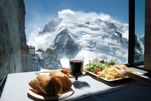 Peak cuisine: Five of the best lunchtime views ©Chamonix Tourism