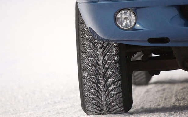 5 Tips for a Safer Winter Behind the Wheel ©Goodyear