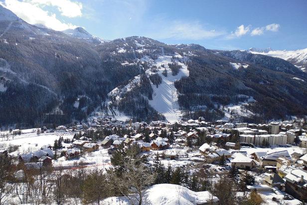 Vue hivernale de la station de ski de Serre-Chevalier
