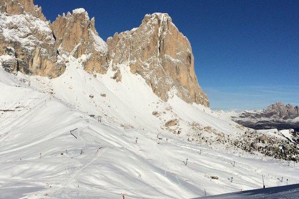 Snehové správy: Lyžiarska sezóna začína, aj keď sa prívaly snehu zatiaľ nekonajú ©Skiarea Belvedere Col Rodella