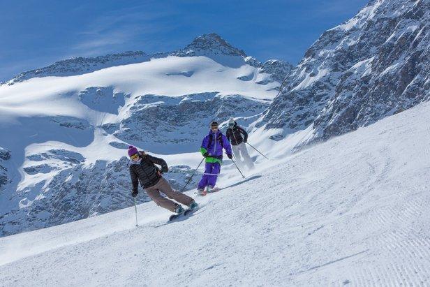 En ce début de saison si particulier, les stations de ski de la Haute-Maurienne Vanoise (ici Bonneval sur Arc) bénéficient d'un enneigement remarquable