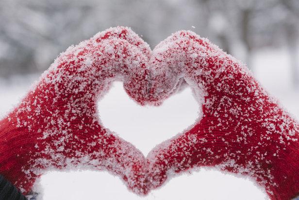 Ambiance romantique, menu raffiné et descente aux flambeaux sont au programme de cette Saint-Valentin à Nendaz
