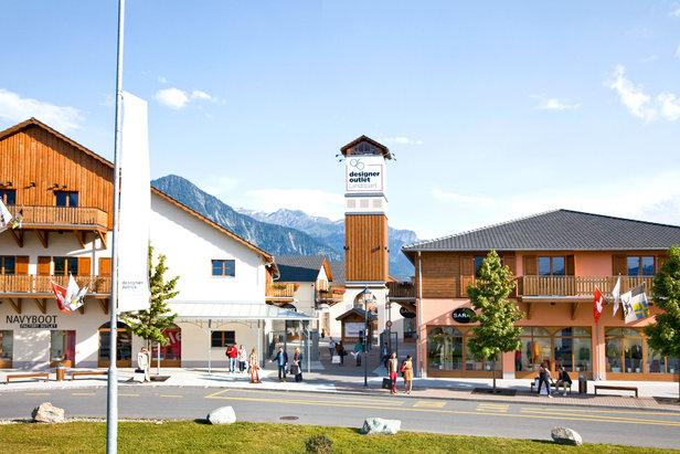 Shopping mit Blick auf die Berge