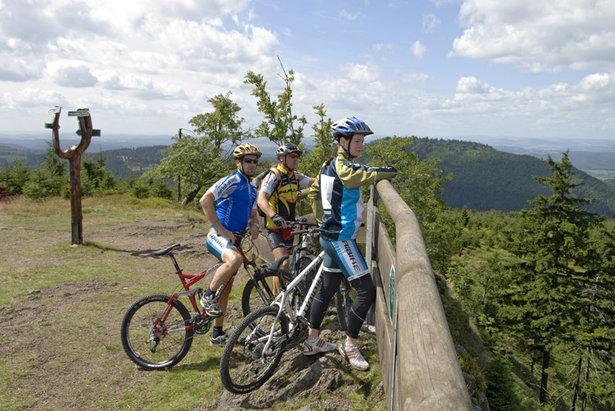 Mountainbiker Hohe Möst Oberhof Wandertipp