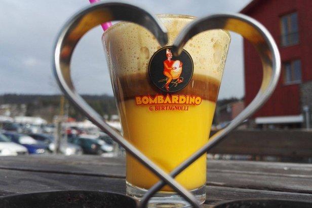 Bombardino je nejoblíbenějším zimním nápojem v českých apres-ski barech  - © lipnogastro.cz