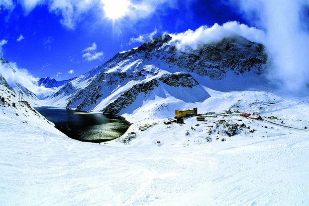 The best skiing in the Southern Hemisphere ©Andes Ski Tours