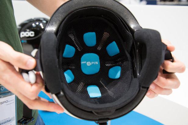 Das Spin-System von POC soll dafür sorgen, dass der Helm sich bei einem Aufprall leicht in Stoßrichtung mitbewegt und somit die Aufprallkraft um 10-30% verringert wird