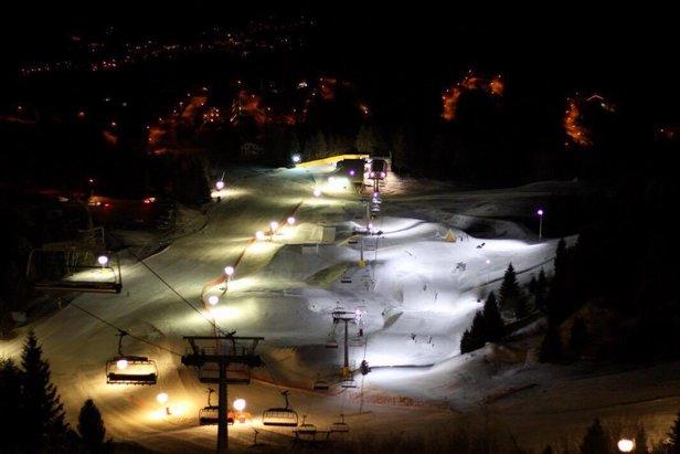 Sciare in notturna sul Monte Bondone