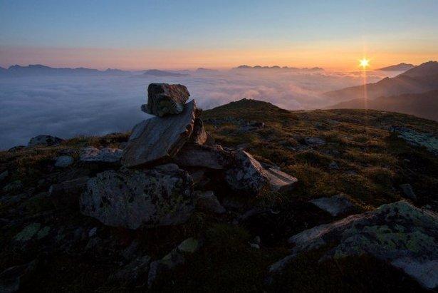 Über den Wolken: Sonnenaufgang am Sechszeiger - ©hochzeiger.com / Ritschel